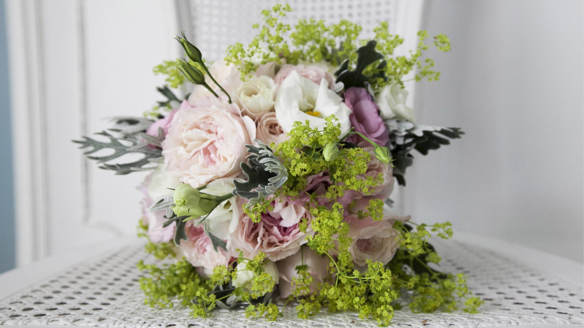 Matrimonio Country Chic Lago Di Garda : Matrimonio lago di garda women in wedding